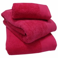 Luxury Egyptian Cotton Fuchsia Bath Towel 70 x 130 cm