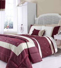 lois-red-duvet-cover-set.jpeg