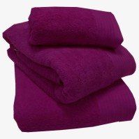 Luxury Egyptian Cotton Magenta Bath Towel 70 x 130 cm