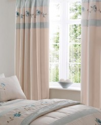 roses-duck-egg-pencil-pleat-curtains.JPG