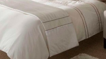 Heat Seal Natural Bed Runner