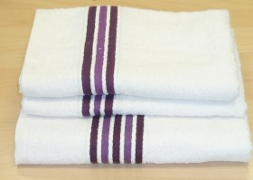 Cable Purple and White Bath Towel